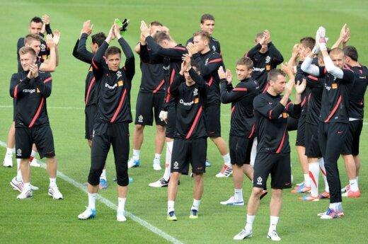 Lenkijos futbolininkai raginami nugalėti rusus