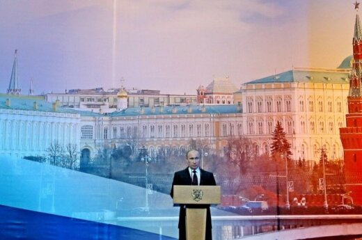 Kremlin's strategy: complicated, obscure, manipulative, yet effective