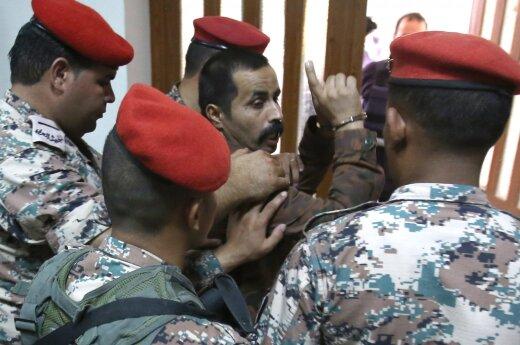 Jordanijos karys nuteistas kalėti iki gyvos galvos už JAV karo instruktorių nužudymą
