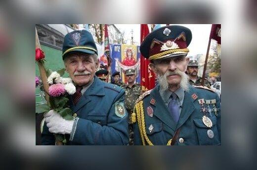В Украине - факельные шествия в память Бандеры