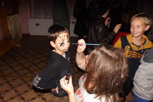 Naujųjų Valkininkų jaunimas ne tik linksminasi
