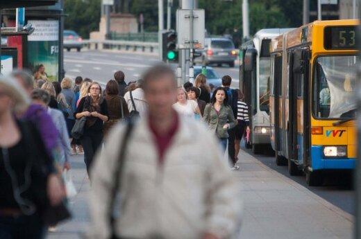 Keleivės bėda - beveik mėnesį kasdien vėluojantis autobusas
