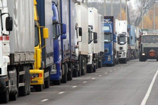 Водители находят способы обойти меры против ввоза горючего
