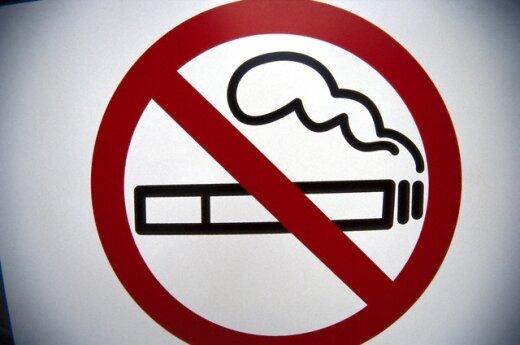 С Нового года в столице Литвы запретят курить на остановках