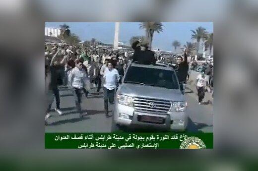 Кортеж Муаммара Каддафи. Кадр из видеозаписи с сервиса YouTube