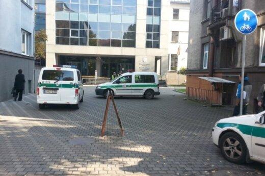 В Каунасе Aras вызвали к Каунасскому окружному суду, налоговой инспекции и на кладбище