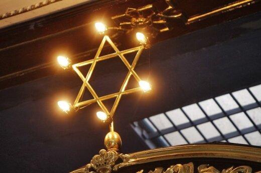 Lithuanian president awards 51 Life Saving Crosses to savers of Jews