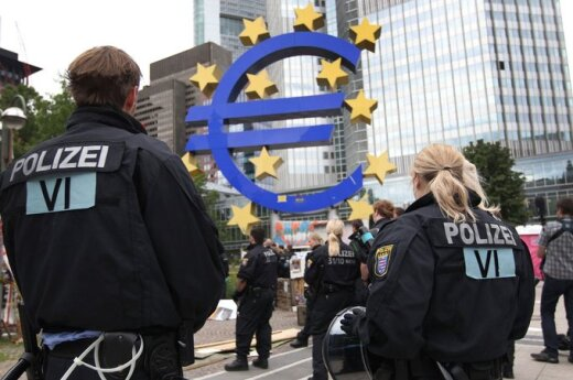 Przyszłość Unii – większa centralizacja?