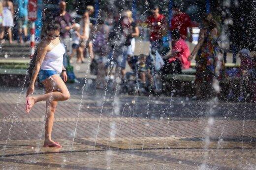 Włochy: Zakaz kąpania się w fontannach