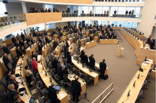 Sejm minutą ciszy uczcił ofiary katastrofy smoleńskiej