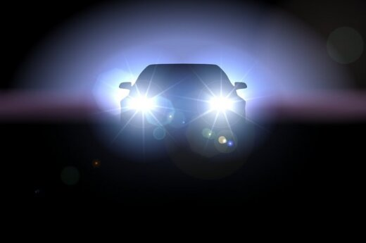 Automobilis naktį