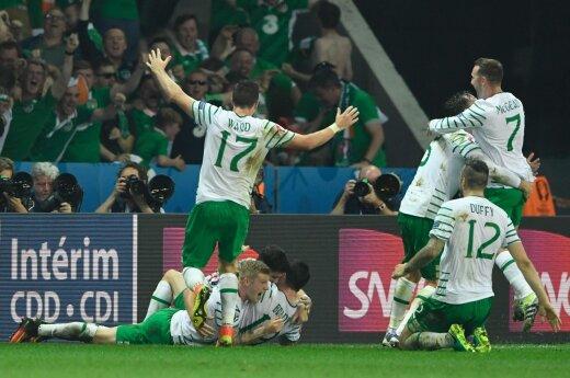 Ирландцы забивают Италии в последний момент и остаются, шведы и турки едут домой