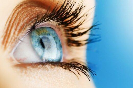 Уход за кожей вокруг глаз: основные правила