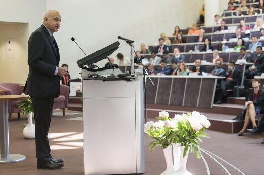 Indian Minister Akbar in Vilnius at Conference Women's Economic Empowerment  Photo © Ludo Segers