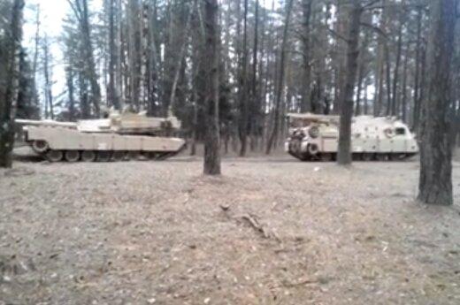 Abramsy w litewskich lasach