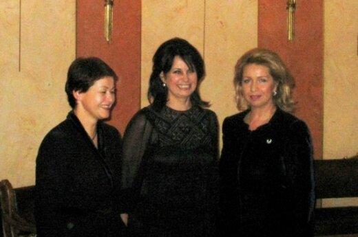 Супруга премьера Литвы Раса Кубилене, дочь великого музыканта Ольга Ростропович и первая леди России Светлана Медведева