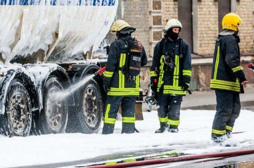 W Wilnie zapaliła się cysterna z gazem