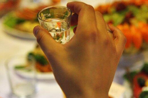 Iran: Kara śmierci za konsumpcję alkoholu