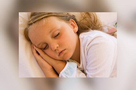 Megaitė miega
