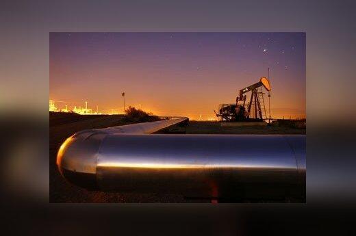 B США фиксируется рекордное снижение числа работающих нефтяных вышек