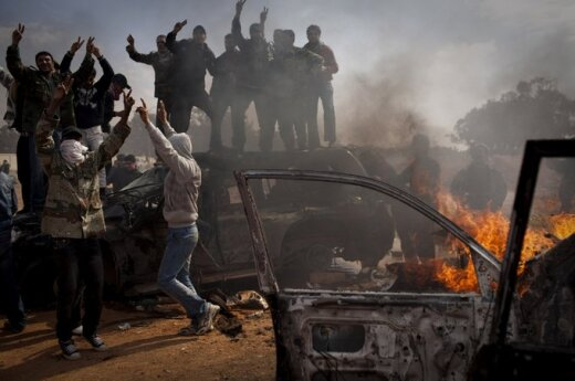 Libia: Złapano podejrzanych w sprawie napadu na ambasadę USA