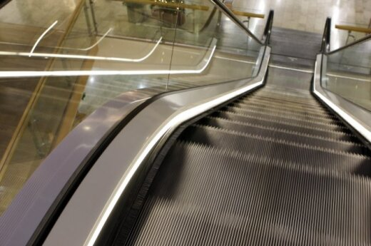 В Вильнюсе в магазине с эскалатора упал ребенок