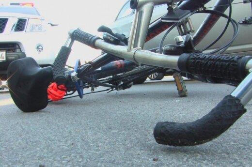 Druskininkuose nulipti nuo dviračio patingėjęs vyras buvo parblokštas automobilio