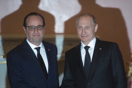 Vladimiras Putinas ir Francois Hollande'as Jerevane