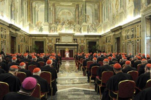 Watykan: Fałszywy biskup dostał się na kongregację