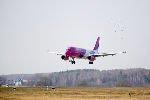 """""""Wizz Air"""" iš Londono Lutono oro uosto skraidins dar trimis naujomis kryptimis"""