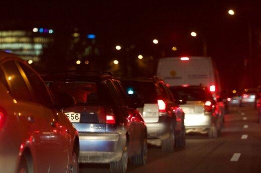 Erzinantys įpročiai gatvėse: kodėl vairuotojai pyksta vieni ant kitų