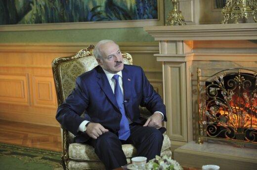 """Białoruś: Wypowiedź Łukaszenki o gejach, to """"prowokacja"""" Sikorskiego?"""