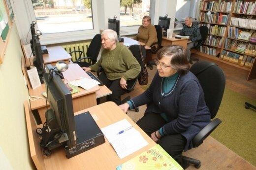 Senjorai bibliotekoje, A.Repšio nuotr.