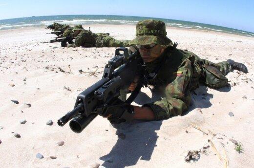 NATO svarsto siųsti tūkstančius karių į Baltijos šalis