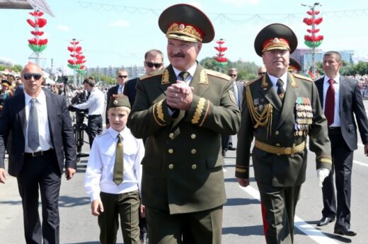 Лукашенко провел перестановки в военных ведомствах