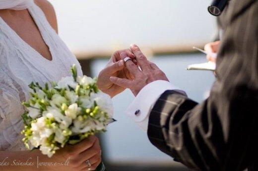 Viltės Kazlauskaitės sukurta vestuvinė suknelė. Šilkas ir vilna. www.vilte.net. Nuotaka - Jūratė Motiejūnaitė