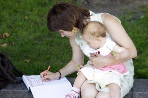 Seimas iš naujo svarstys motinystės pašalpos mažinimo klausimą