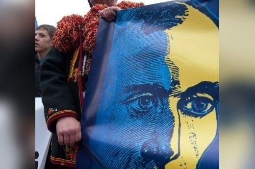 Внук Бандеры предложил Януковичу обменяться подарками от Ющенко