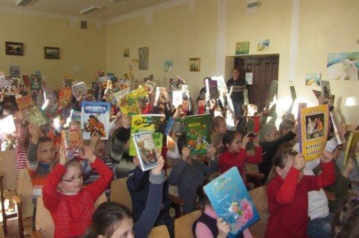 Šiaulių mokiniai dieną leido su knyga