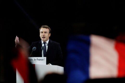 E. Macrono delivering his victory speech in Paris
