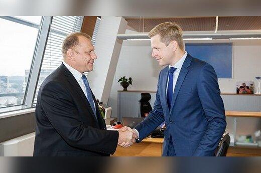 Посол Беларуси предложил мэру Вильнюса белорусскую технику