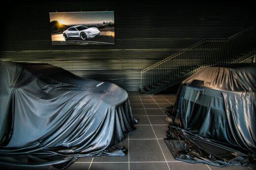 Automobilių salonas (asociatyvi nuotr.)