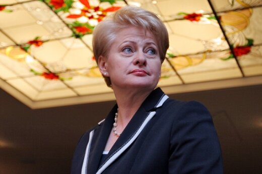 Nepilnamečių apsaugos įstatymą D.Grybauskaitė pasirašys apgailestaudama