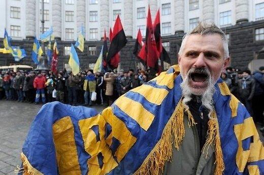 Украина: Азаров жалуется ЕС, США пугают хаосом, Кличко составляет списки