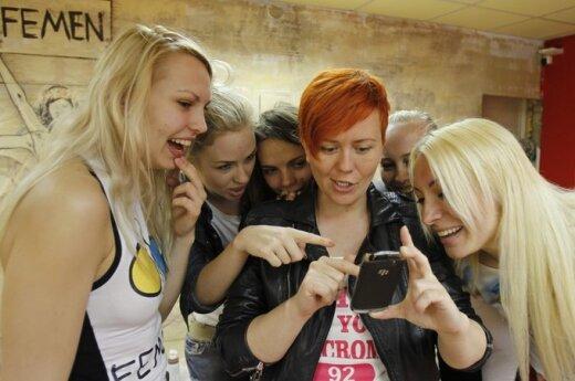 Femen Yana Zhdanova,Alexandra Shevchenko, Oksana Shachko Anna Hutsol, Yulia Bondarenko and Inna Shevchenko