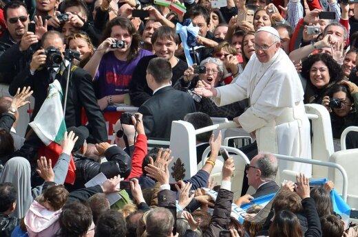 """Włochy: """"Efekt Franciszka"""". Chaos w Rzymie"""
