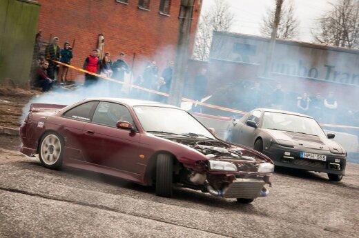 Automobilių šonaslydžio varžybos (asociatyvi nuotr.)