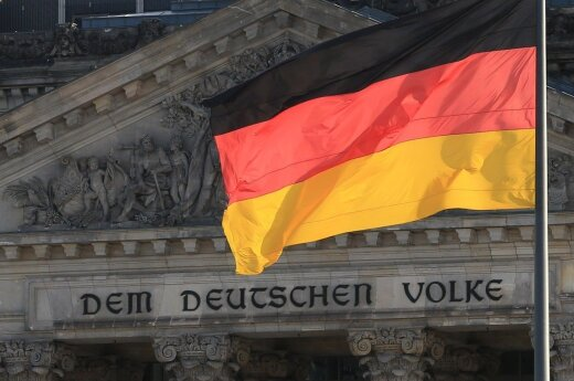 Фракция Меркель в бундестаге назвала Россию угрозой миру в Европе