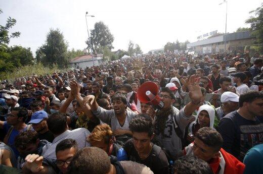 Парламент Венгрии одобрил законопроект о лагерях для мигрантов