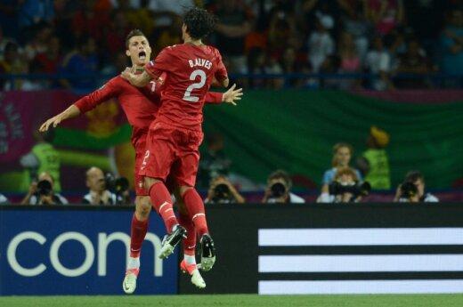Cristiano Ronaldo ir Bruno Alvesas